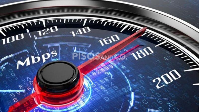 ¿Qué velocidad de Internet contrato?