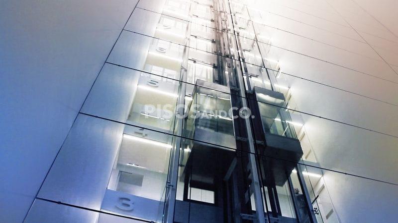 ¿Es obligatorio instalar el ascensor o hay que votar?