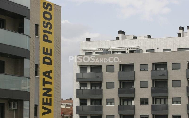 Si no resides en España y vendes un piso se va a realizar una retención del 3% sobre el precio de venta.